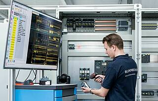 Digitisation in production of switchgears